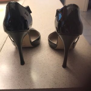 Black shoe mint heels